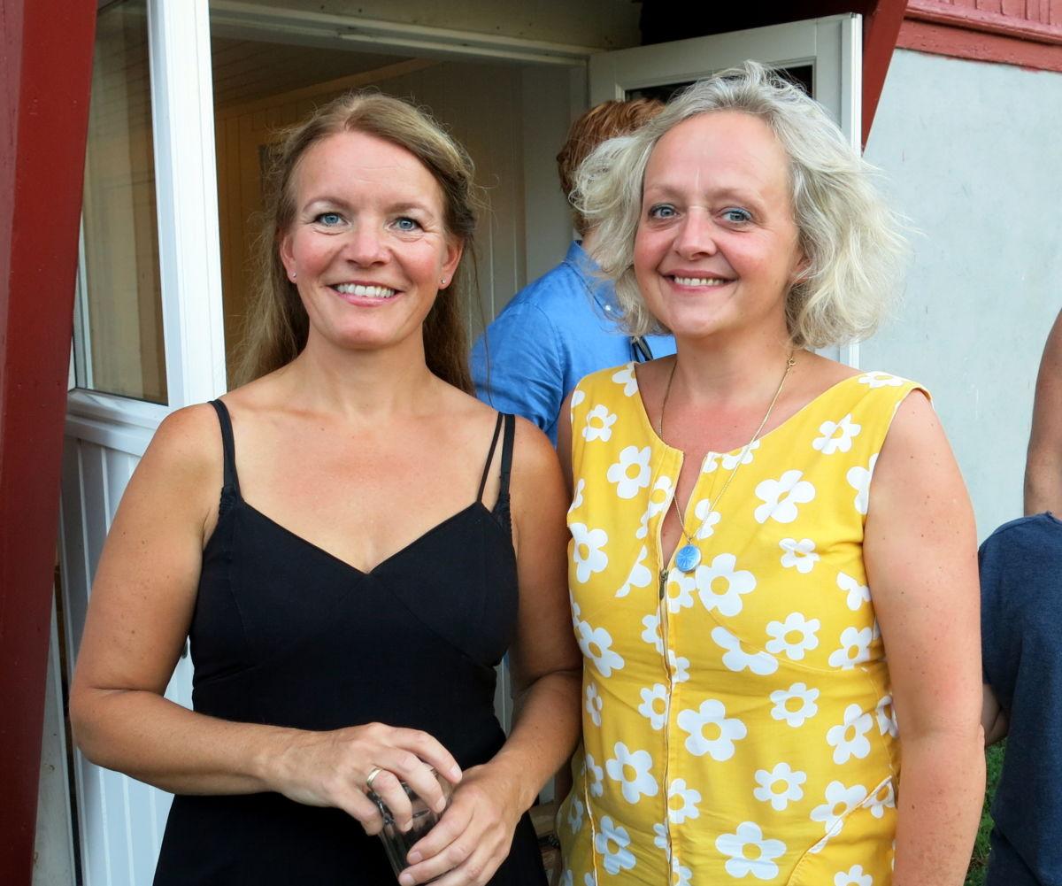 Unni Boksasp i lag med Marianne Meløy som har vore regissør for konseten. Foto: Dordi J H