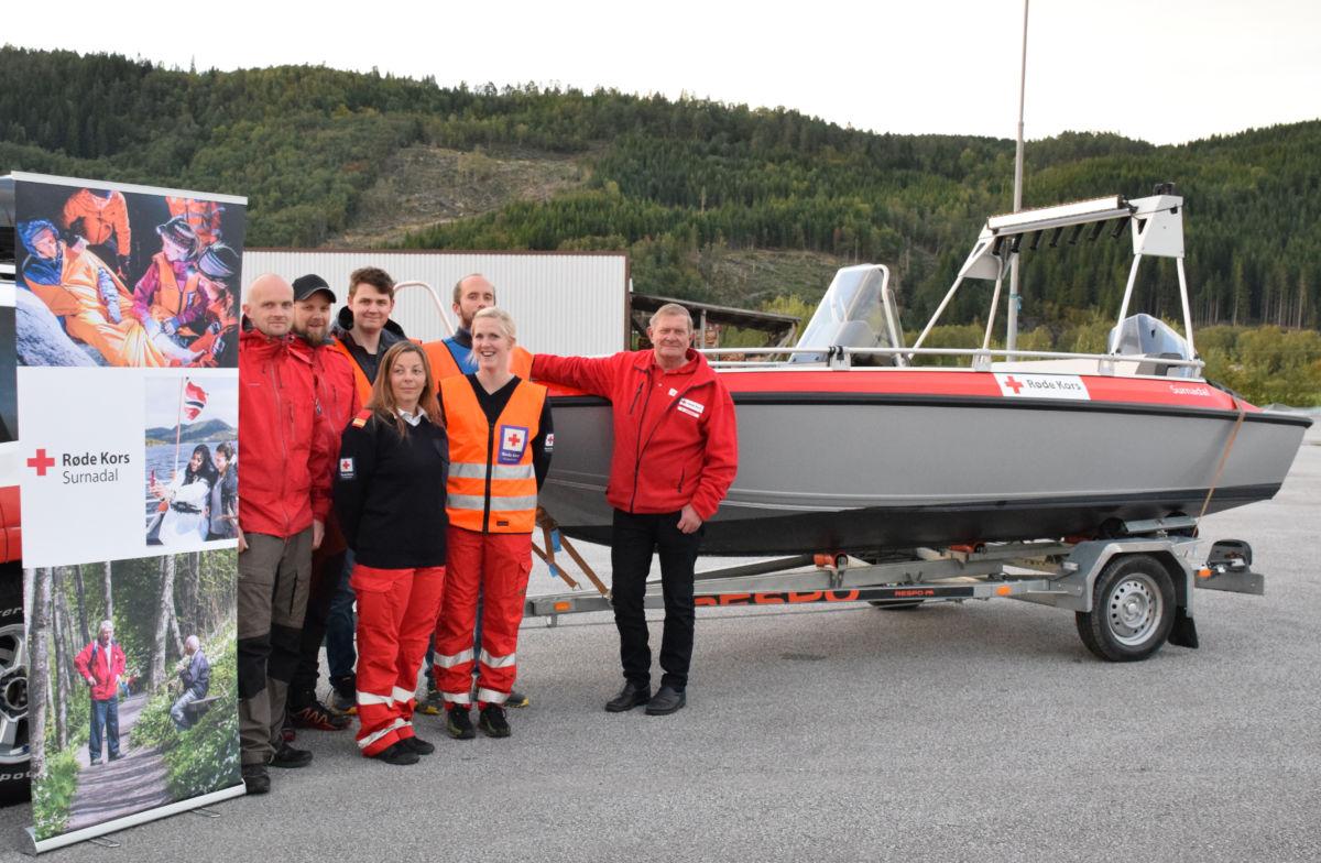 Nyanskaffelsen til Surnadal Røde Kors er på plass, og er no i beredskap - klar til utrykning.  Foto: Jon Olav Ørsal