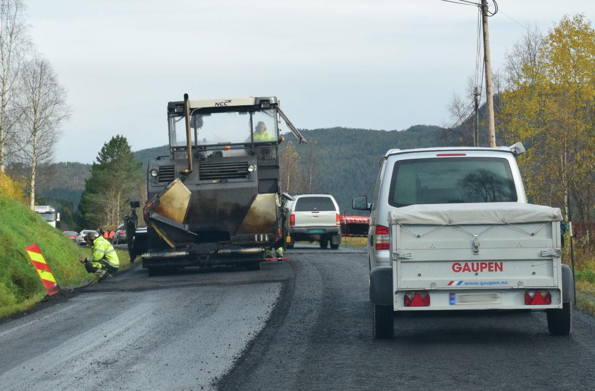 Det blir litt trøbbel med trafikkavviklinga neste veke når Bordholmvegen og Brusetmelan blir asfaltert.   illustrasjonsfoto: Jon Olav Ørsal