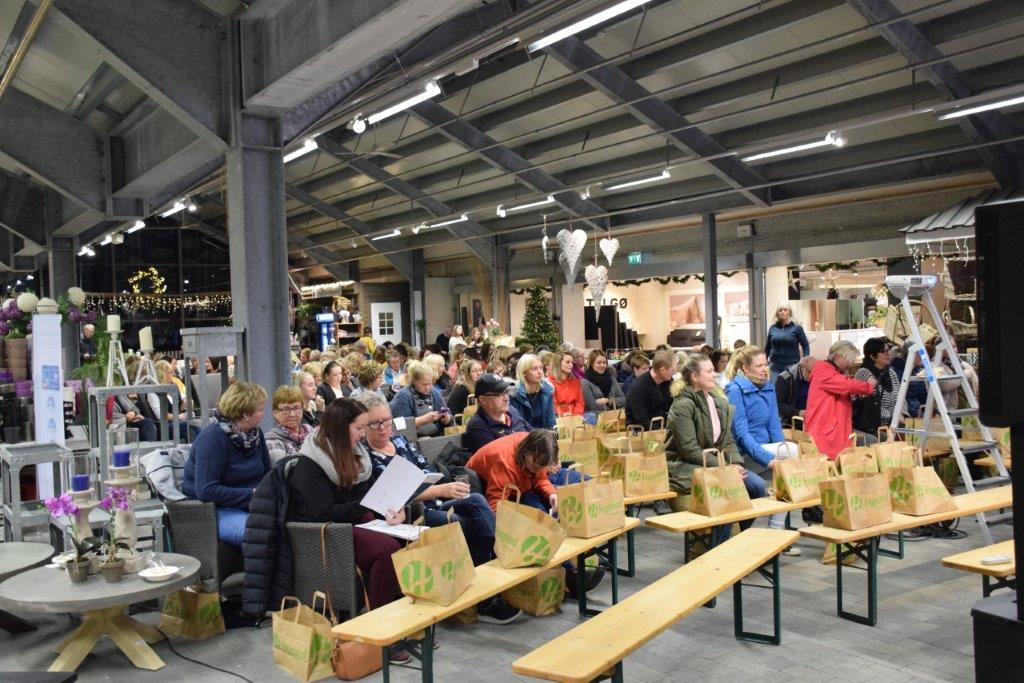 Byggmakker samla 150 til interessant interørkveld tysdag kveld.  Foto: Jon Olav Ørsal