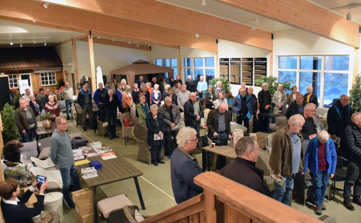 Over hundre personar kom på bokslepp på Gammelfabrikken.  Foto: Jon Olav Ørsal