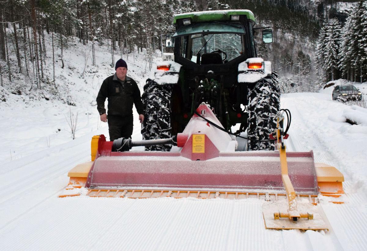 Ståle Ansnes sørga for skispor på Tjønnmyra i dag.  Foto: Jon Olav Ørsal
