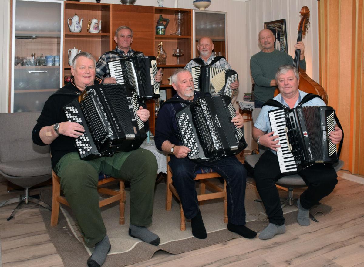 Laurdag 9. mars får vi høre medlemar frå The Invalidos under koserten i Skulstua. Arkivfoto: Jon Olav Ørsal