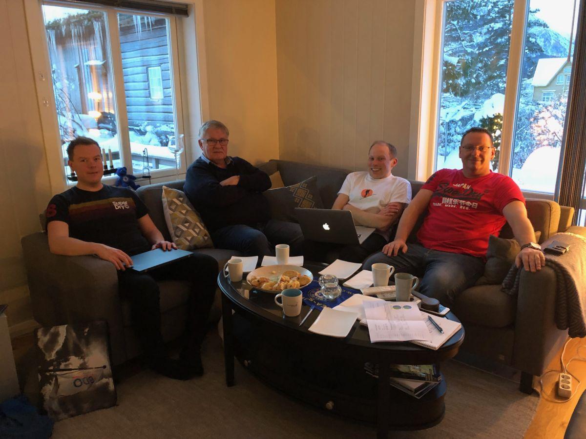 Styret består av leiar Stig Husby (fh), nestleiar Jo Gjeldnes, styremedlem Jon Olav Ørsal, kasserar Sondre Halset, Elinor Bolme (bak kameraet) og Mari Brusethaug Redalen som ikkje var til stades.