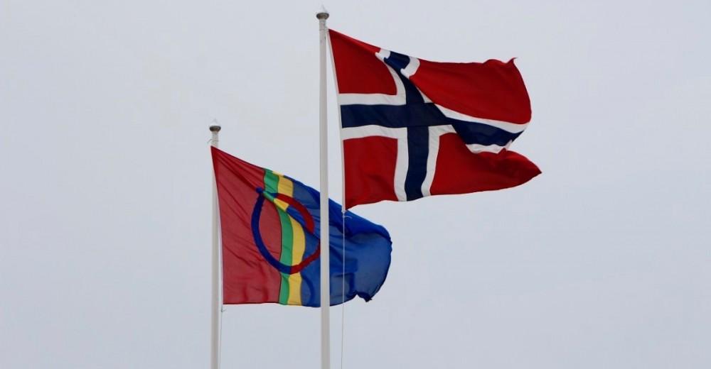 Det samiske og det norske flagg