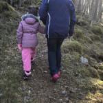 Mormor  og  Amalie  på  tur  til  Løfta