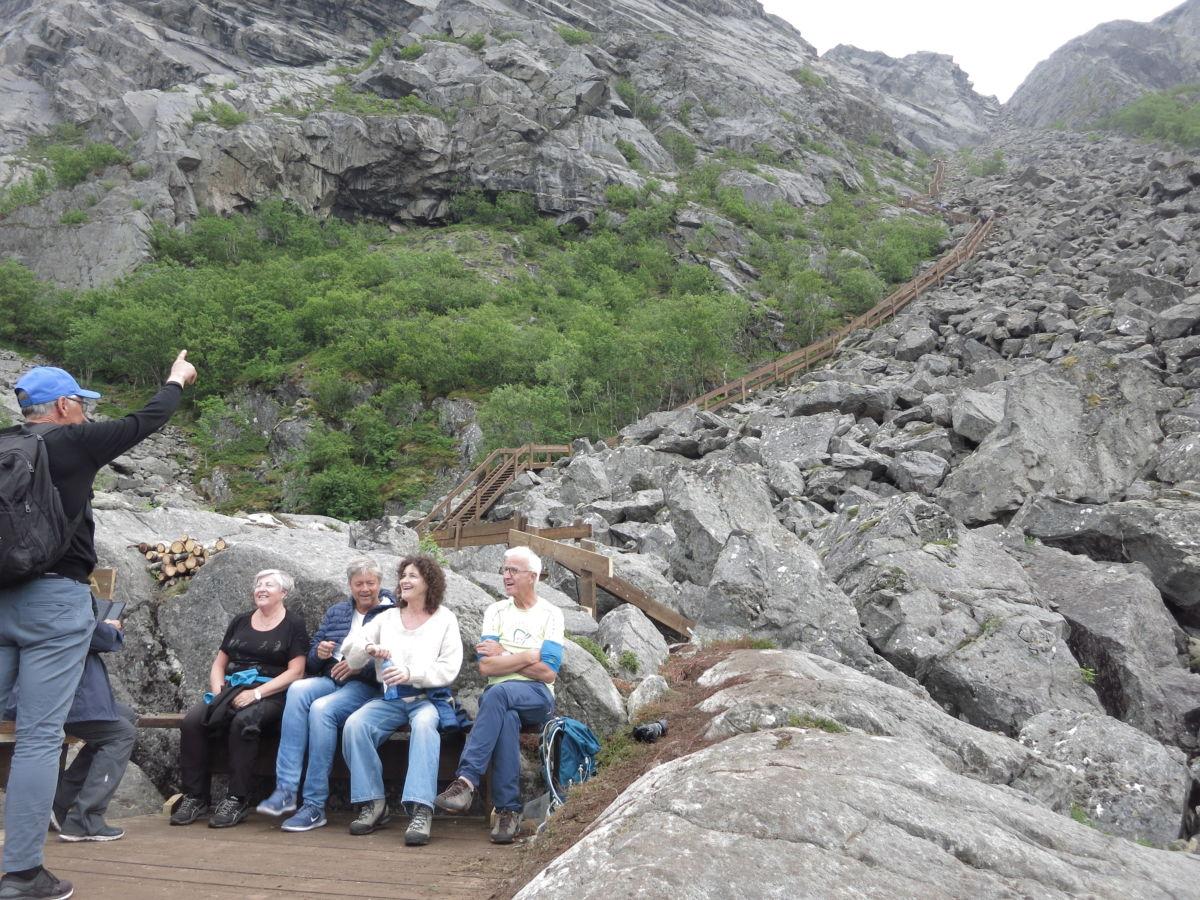 Borghild og Terje Talgø var blant dem som testa Vegatrappa.   Foto: Jon Olav Ørsal