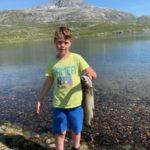 Stor  fisk,  stolt  gut,  stort  fjell.