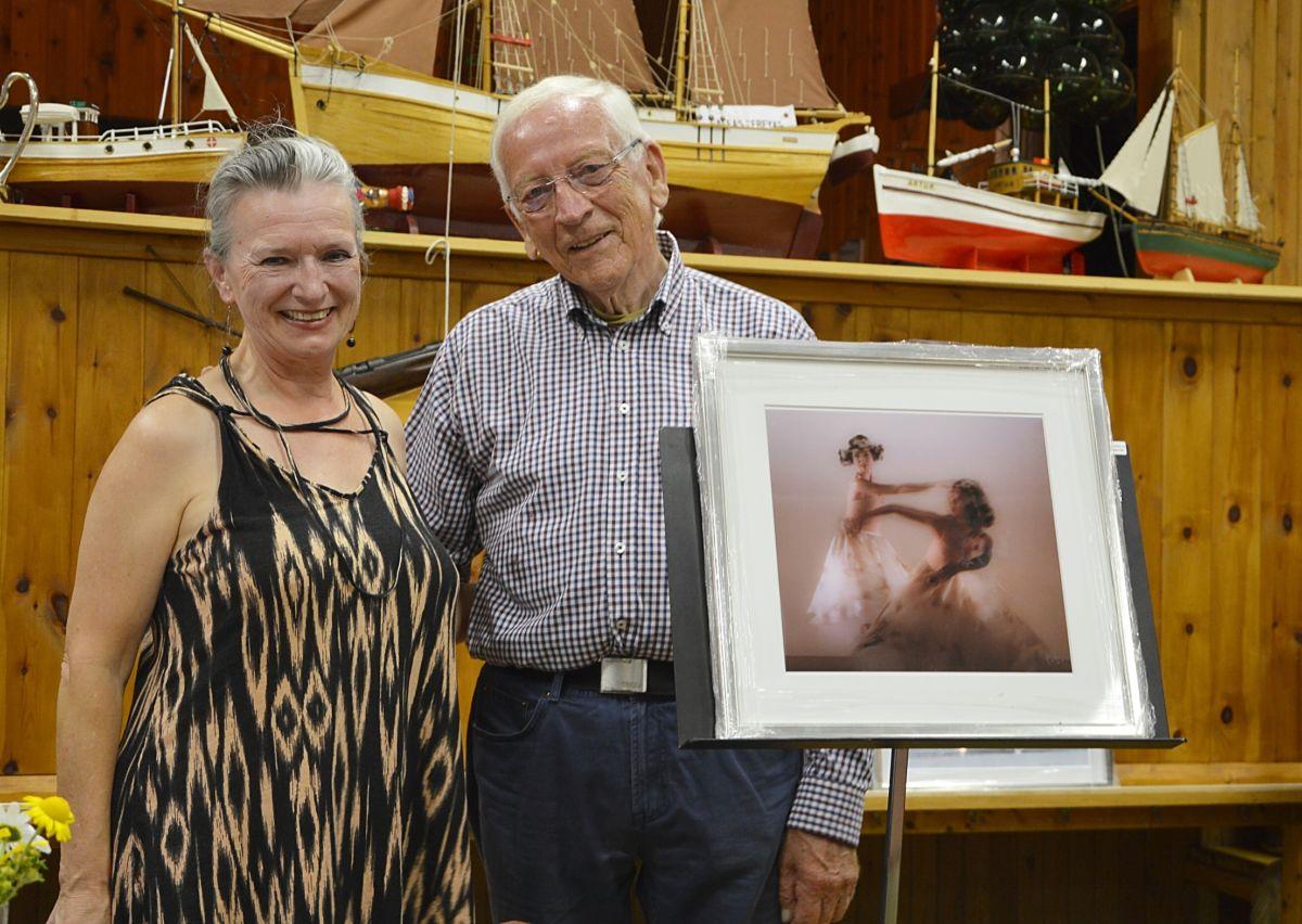 Sekvensen «Ballett» uttrykkjer verdien av bevegelse – noko Østvik takkar fysioterapeut Connie Hübner for.  Foto: Bernt Bøe