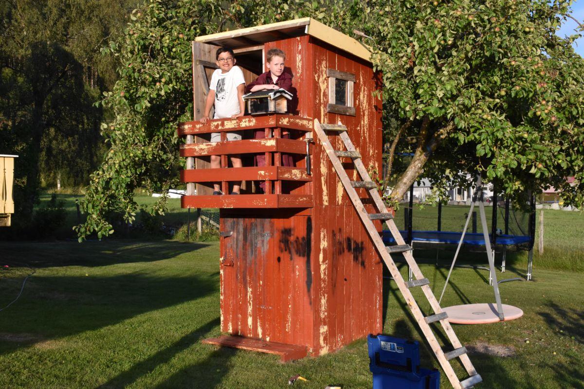 Emil og Fredrik i tårnet.  Foto: Jon Olav Ørsal