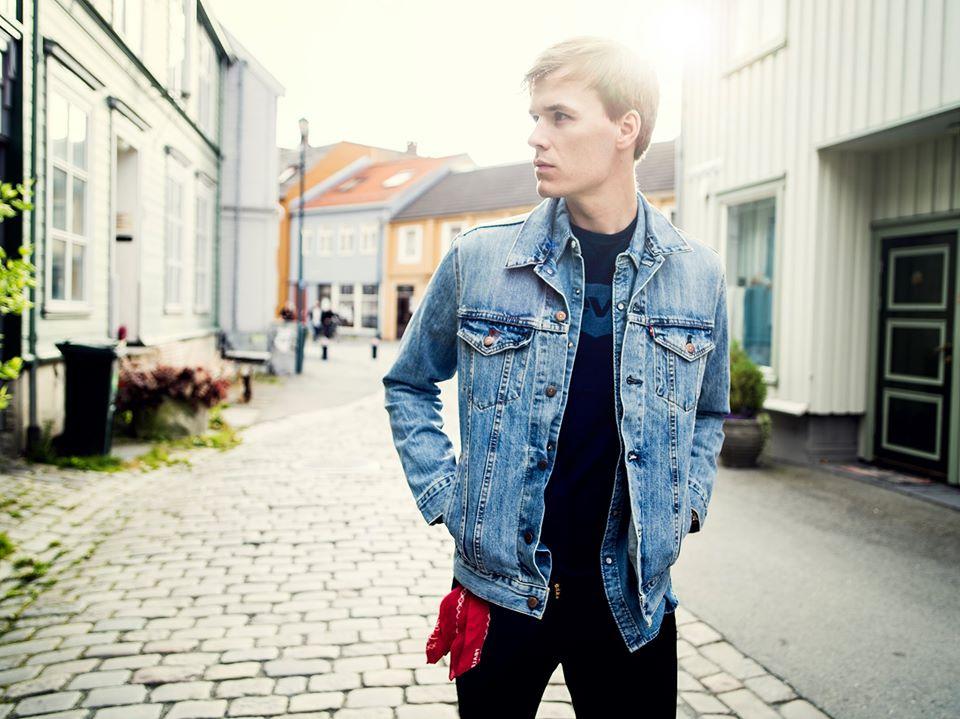 Konsert  med  Jo  Sverre