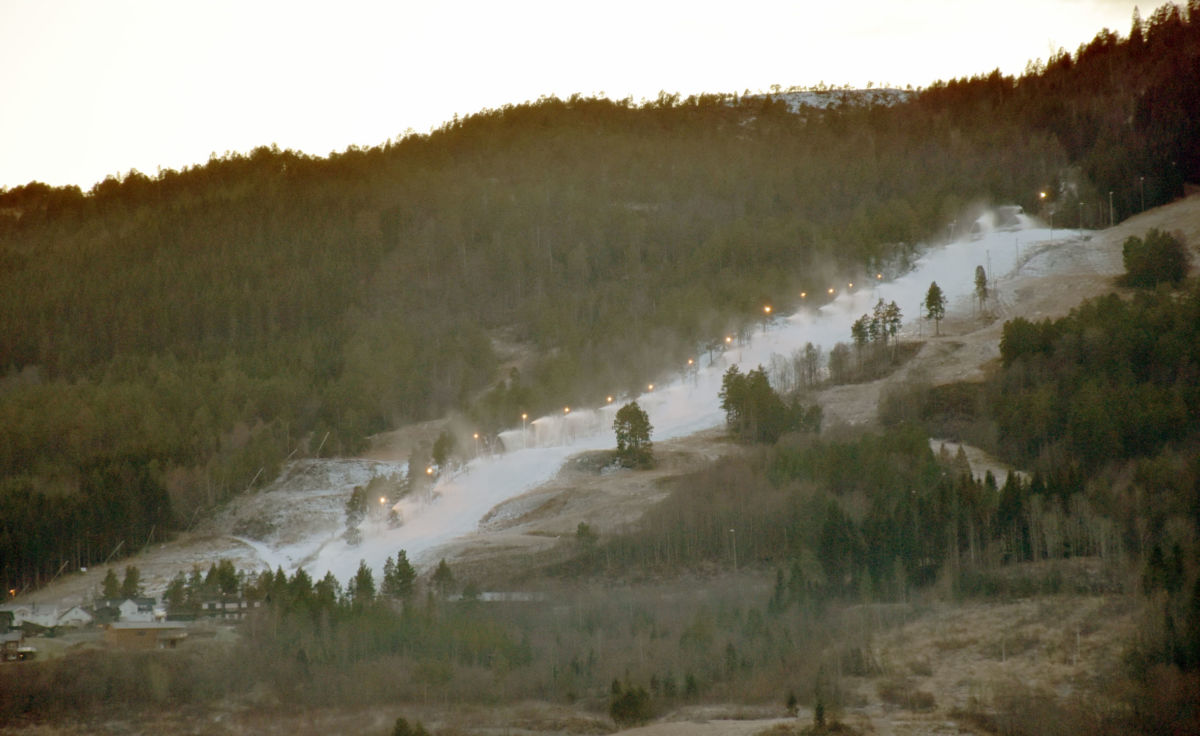 Snøproduksjon går for fullt i Sæterlia