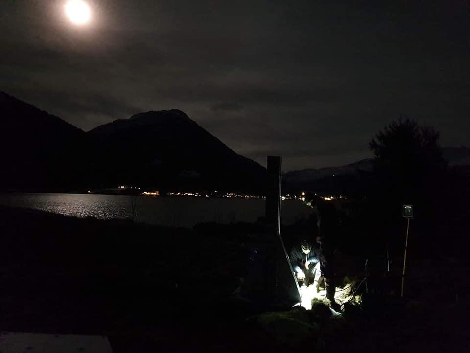 Todalspålen - lysa tennes søndag kl 18.  Foto: Marie H. Halle