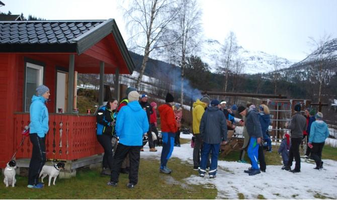 Bra deltagelse på årets romjulsmarsj på Nordvik.  Foto: Sverre Kjølstad