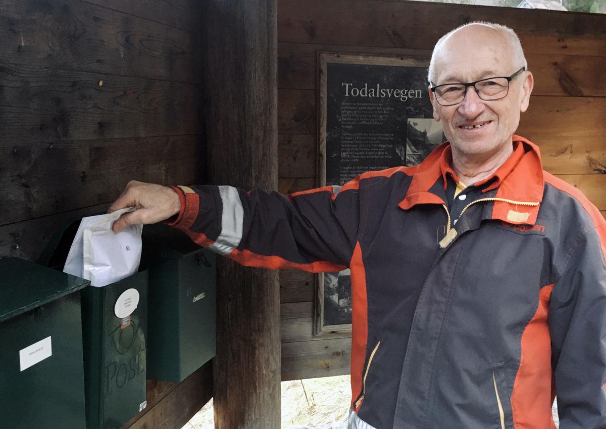 Posten får fotsette å køyre avisen.  På bildet Per Jan Betten.  Illustrasjonsfoto: Jon Olav Ørsal