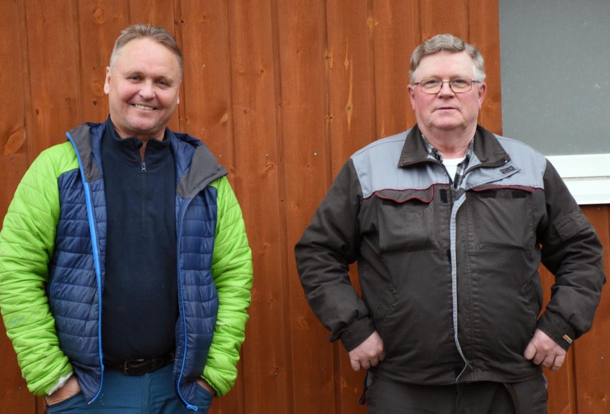 Det ligger godt tilrette for en ny sesong i Toåa, seier Arve Evensen på Todalshytta og Asbjørn Karlsen i elveeierlaget.  Foto: Jon Olav Ørsal