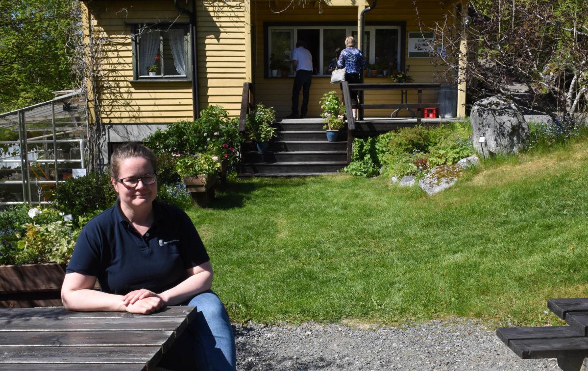 Bra besøk i arboretet - og no skyt blomstringa fart, fortel Maja Frønes.  Foto: Jon Olav Ørsal