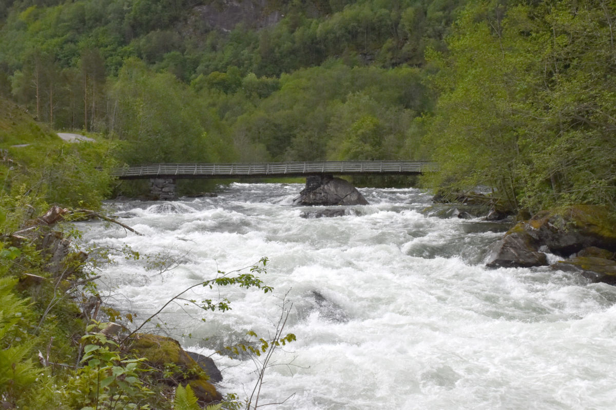 Ved Phillipsbrua i Ramsøydalan.  Foto: Jon Olav Ørsal