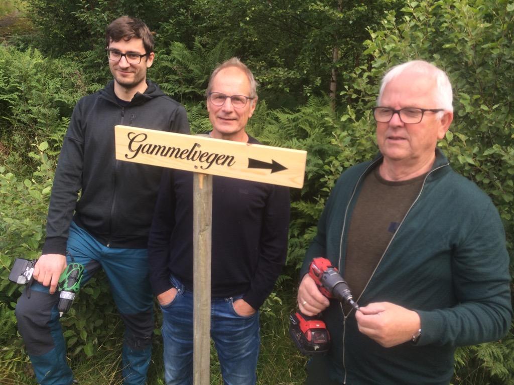 Jonas Svinvik, Sven Olav Svinvik og John Moe.  Foto: Ragnar Halle