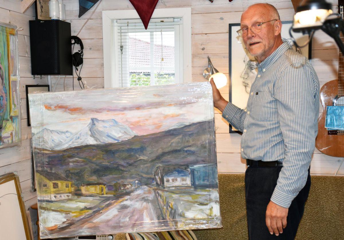 Sentrum har Odd Ingar Skrøvseth kalla dette maleriet frå Kvennset.  Foto: Jon Olav Ørsal