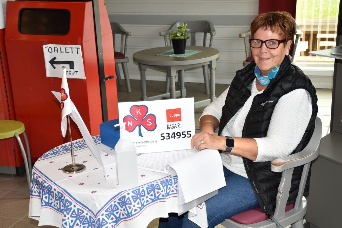 Vipps og vinn - bli med og støtt arbeidet til Todalen Sanitetsforening, seier Kari Kvendset.  Foto: Jon Olav Ørsal