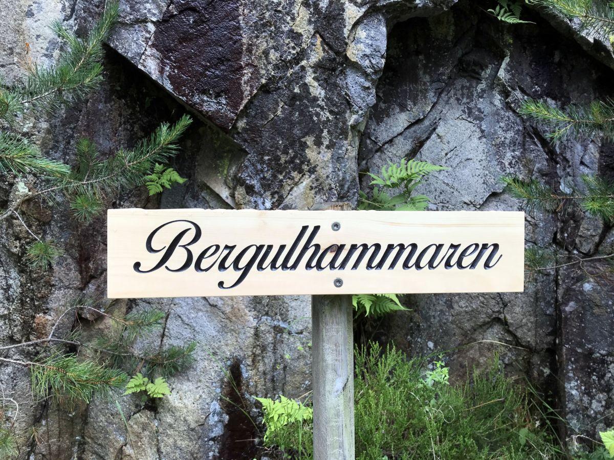 Namneskilt i Svinvikrunden. Foto: Dordi J H