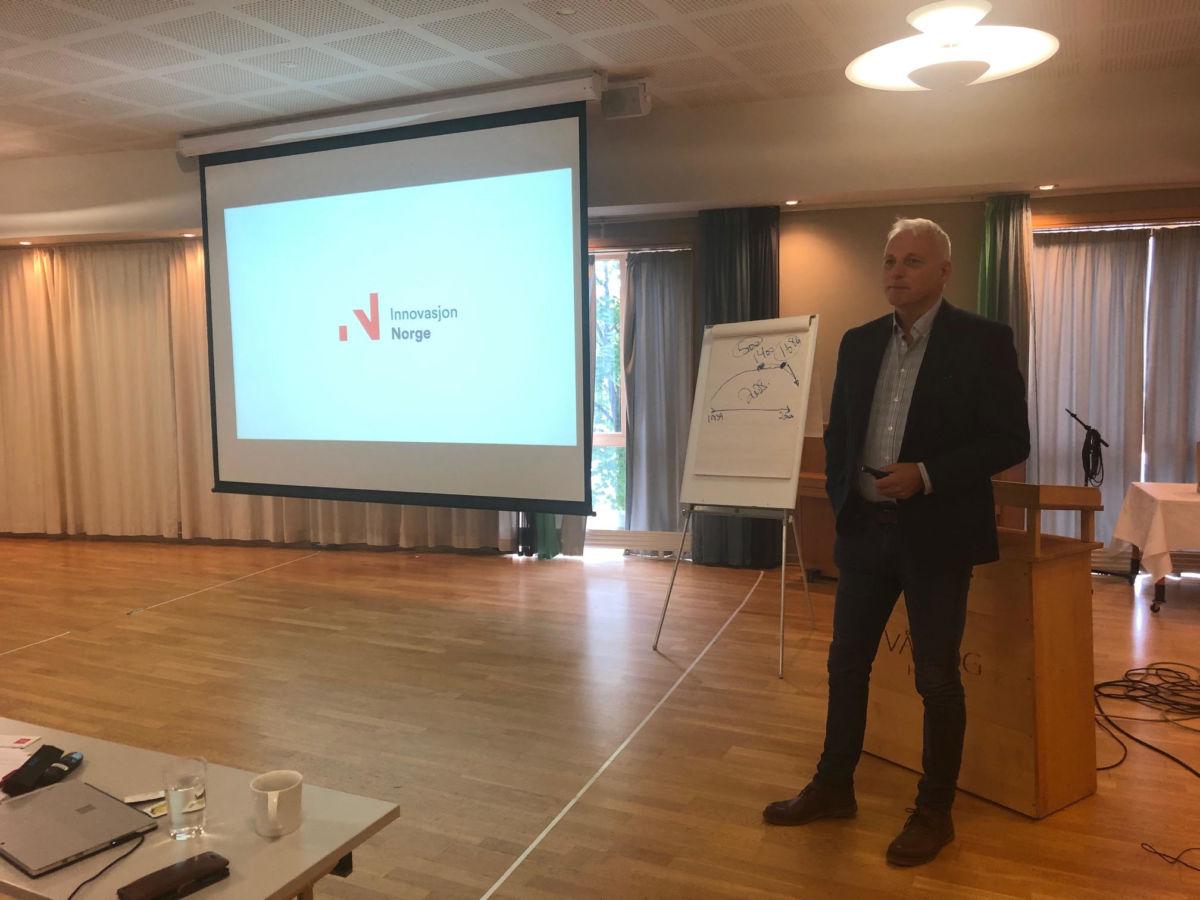 Spesialrådgjevar Alfred Øverland brukte mykje av sin taletid på Talgø konsernet og dei vekstplanene dei har dei neste åra.