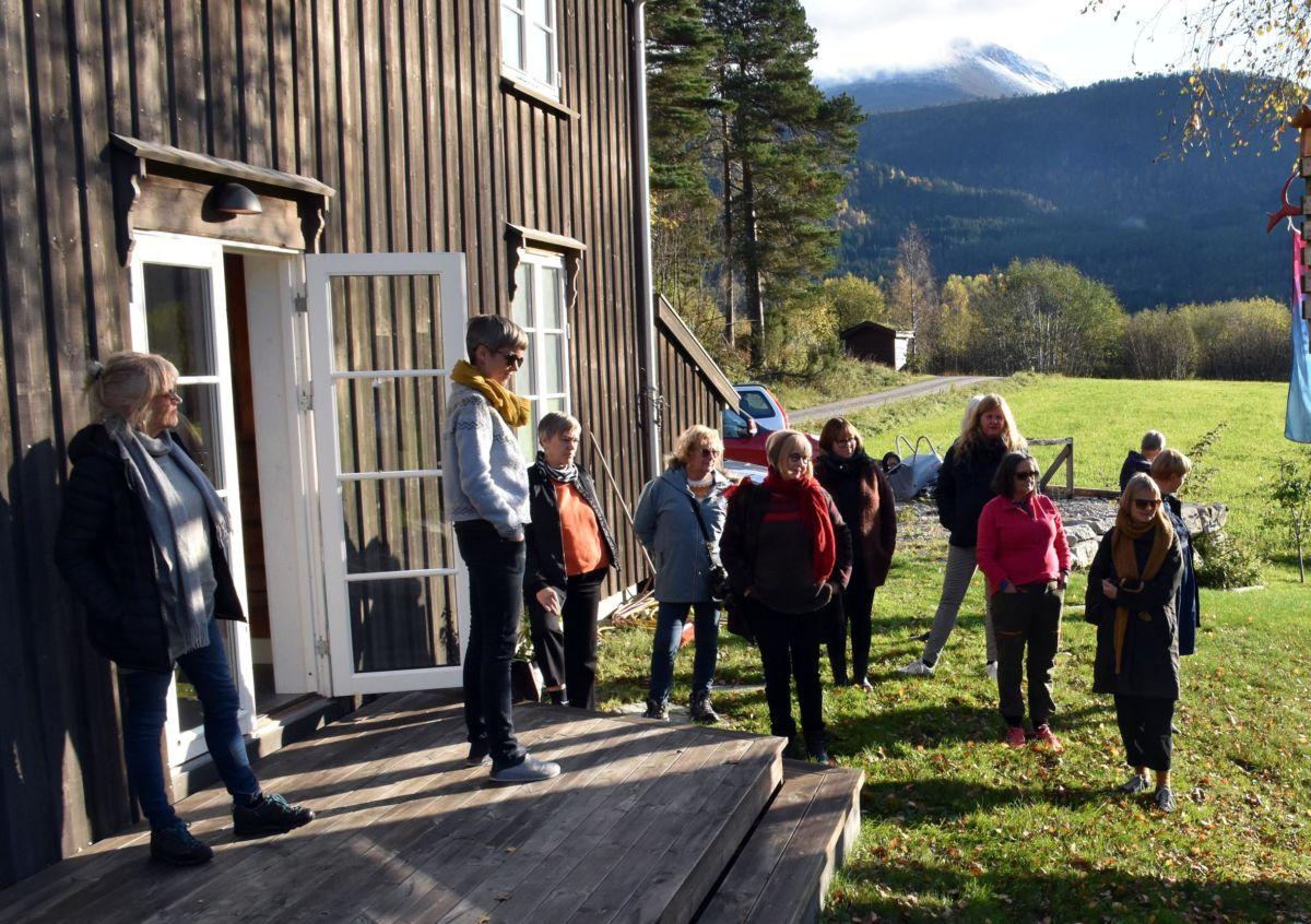 Siri Skjerve inviterte inn på ovisning og orientering om sin kunstnerverksemd.  Foto: Jon Olav Ørsal