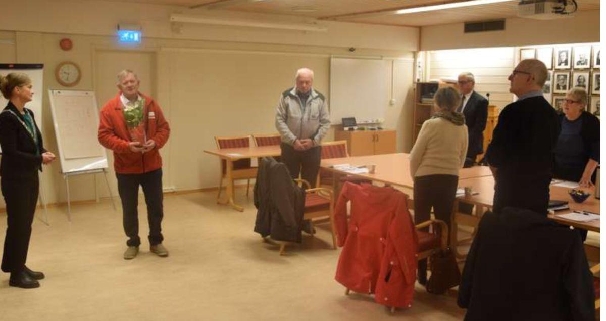 Surnadal Røde Kors si besøkstjeneste fekk Eldrearbeidsprisen 2020