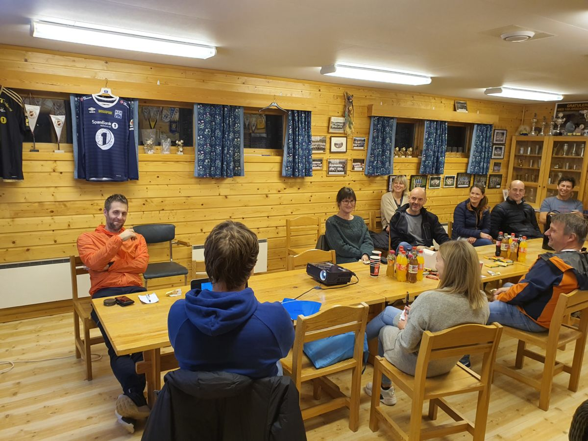 Oppsummeringsmøte med Koronatilpassa servering. Foto: B G Ansnes