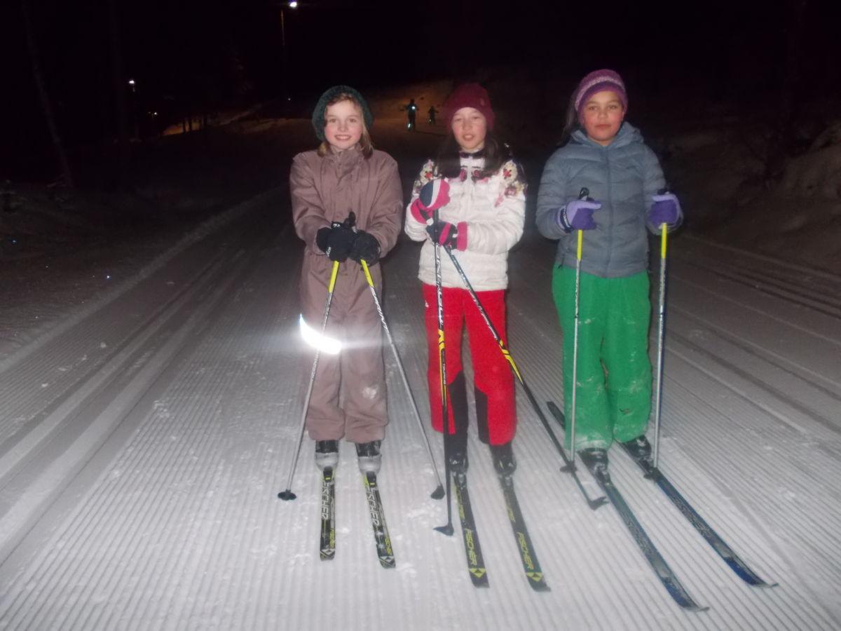 F.v. Martine, Nicole og Natalie Astrid. Foto: J S Ansnes