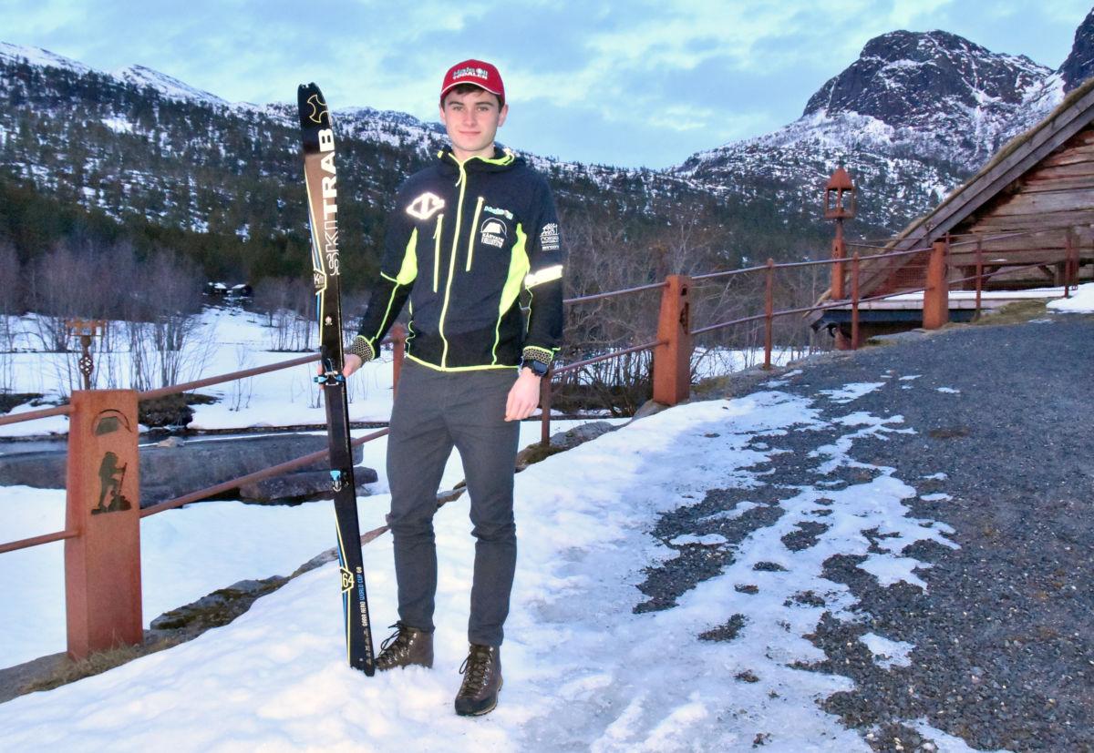 Erik er klar for den store verda - fredag morgon går turen til Andorra i Spania - via gardermoen, frankfurt og Barcelona.  Foto: Jon Olav Ørsal
