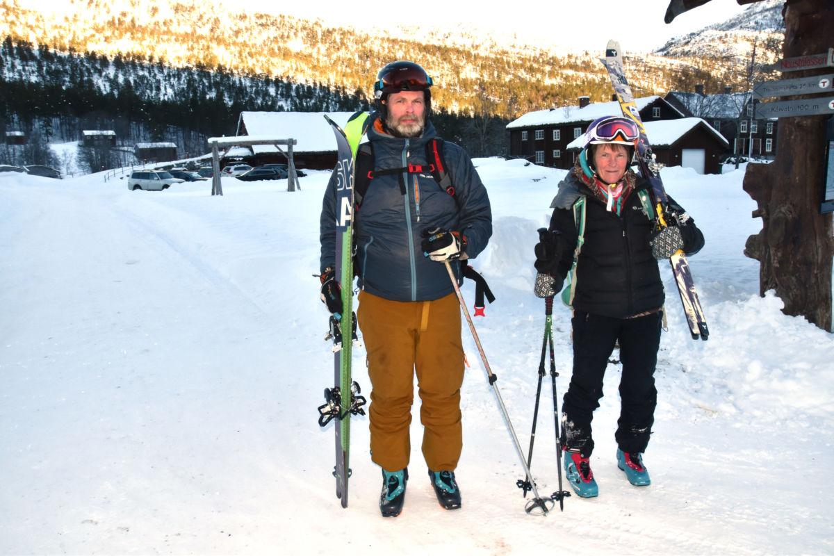 Ut på tur - Odd harald Talgø og Tove Talgø Brøndbo var søndag på tur til Rismobotn.  Foto: Jon Olav Ørsal