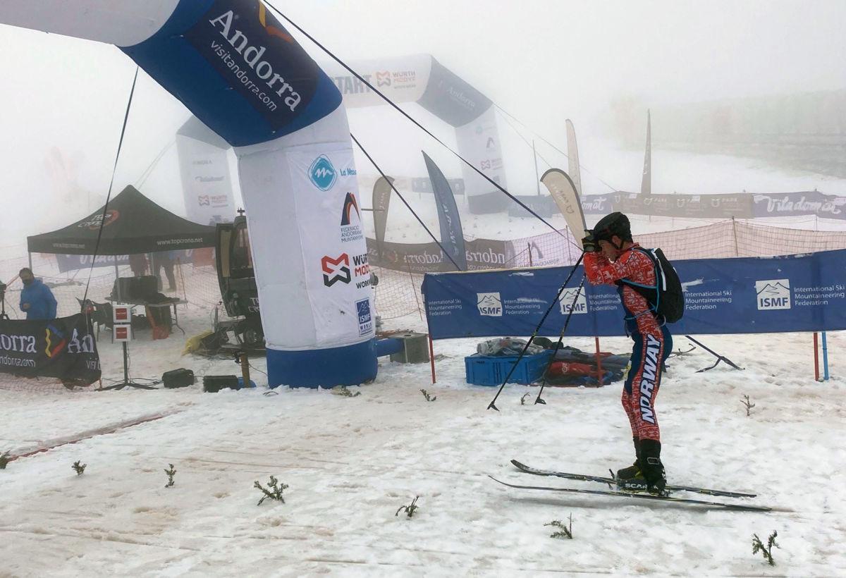 Målgang for Erik Kårvatn - inn til ein fin 12.-plass i laurdagens konkurranse.  Foto: Gudmund K.