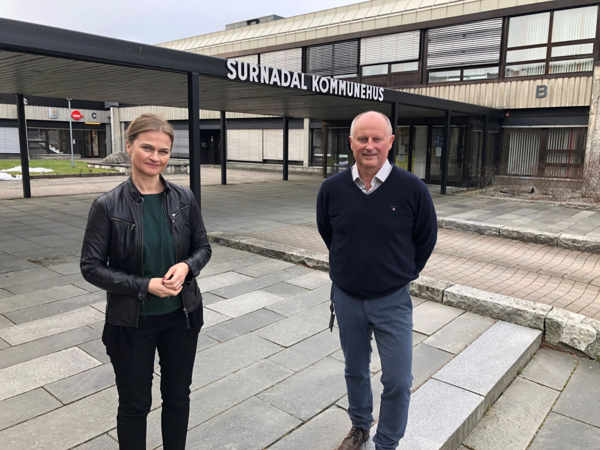 Ordførar Margrethe Svinvik om kommunedirektør Knut Haugen. Foto: Surnadal kommune