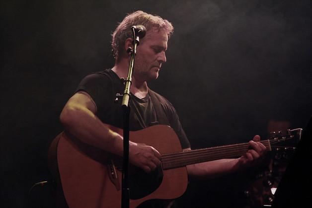 Asle Beck med konsert på Todalshytta laurdag ettermiddag.  Foto  AB