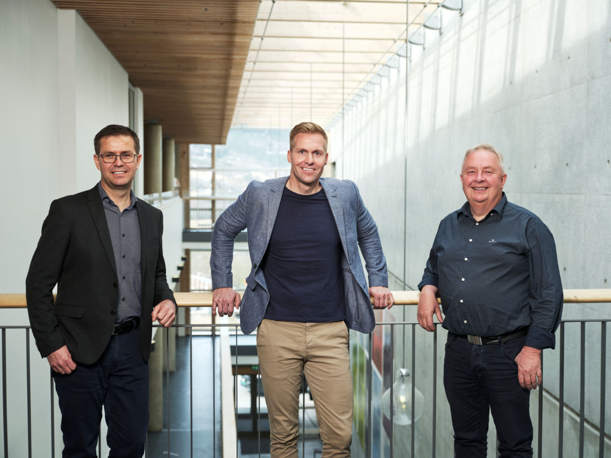 F.v. Dagleg leder Jakob Nørbech, salgsleder David Monkan, markedssjef Stig Sæter. Foto: Gjensidige