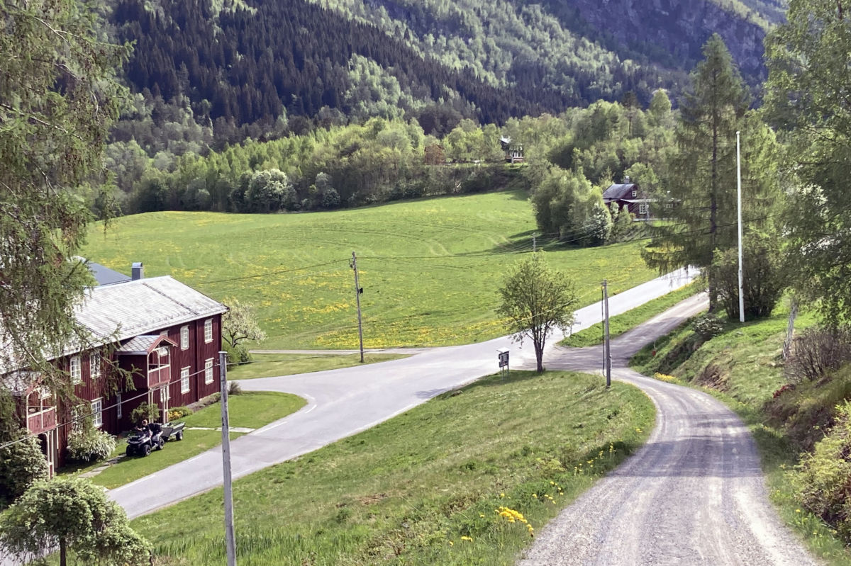 Historisk vandring med start frå Bruset.  Foto: Jon Olav Ørsal