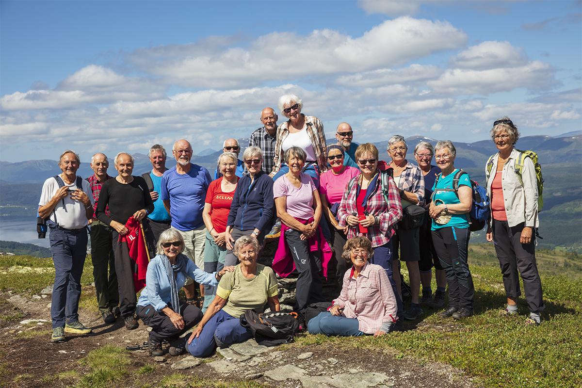 Alle dei 21 deltakarane på Svarrabergets varde. Foto: Anne V. Einum