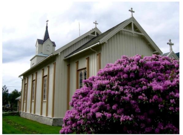 Todalen kyrkje. Foto: Ingri Bruset