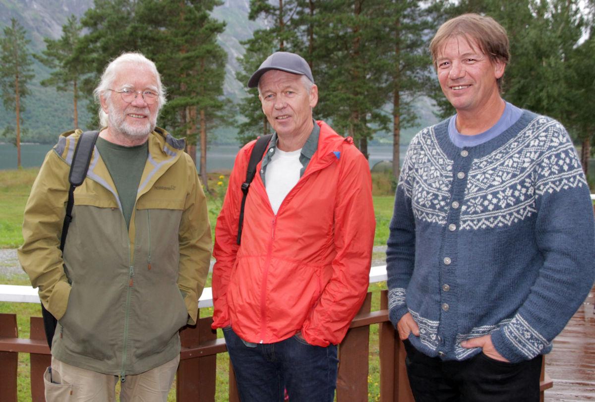 GULLGUTAR: Carsten Andersen (f.v., scenografi), Lars Ramsøy-Halle (musikk) og Svein Sæter (tekst) sto bak musikalen «Stjernestøv». Alle er involvert når konserversjonen har premiere 5. august.