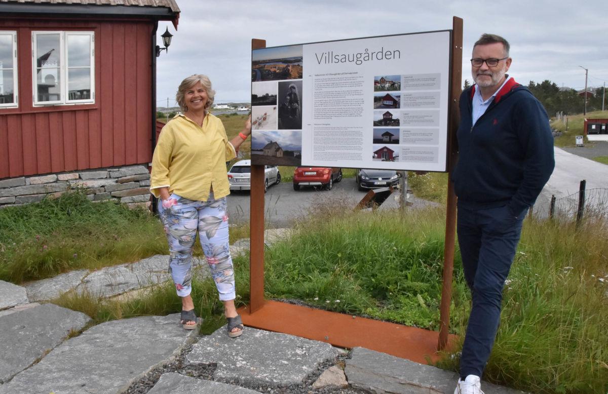 Vi trivs på Smøla og er her så mykje vi kan seier Hanne og Jan Erik på Villsaugården på Stensøyneset.   Foto: Jon Olav Ørsal