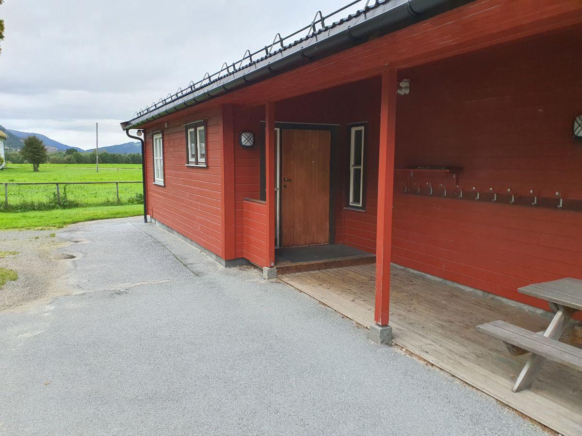 Stemmelokalet i Todalen, er i år i lokala til Todalen barnehage. Foto: B G Ansnes