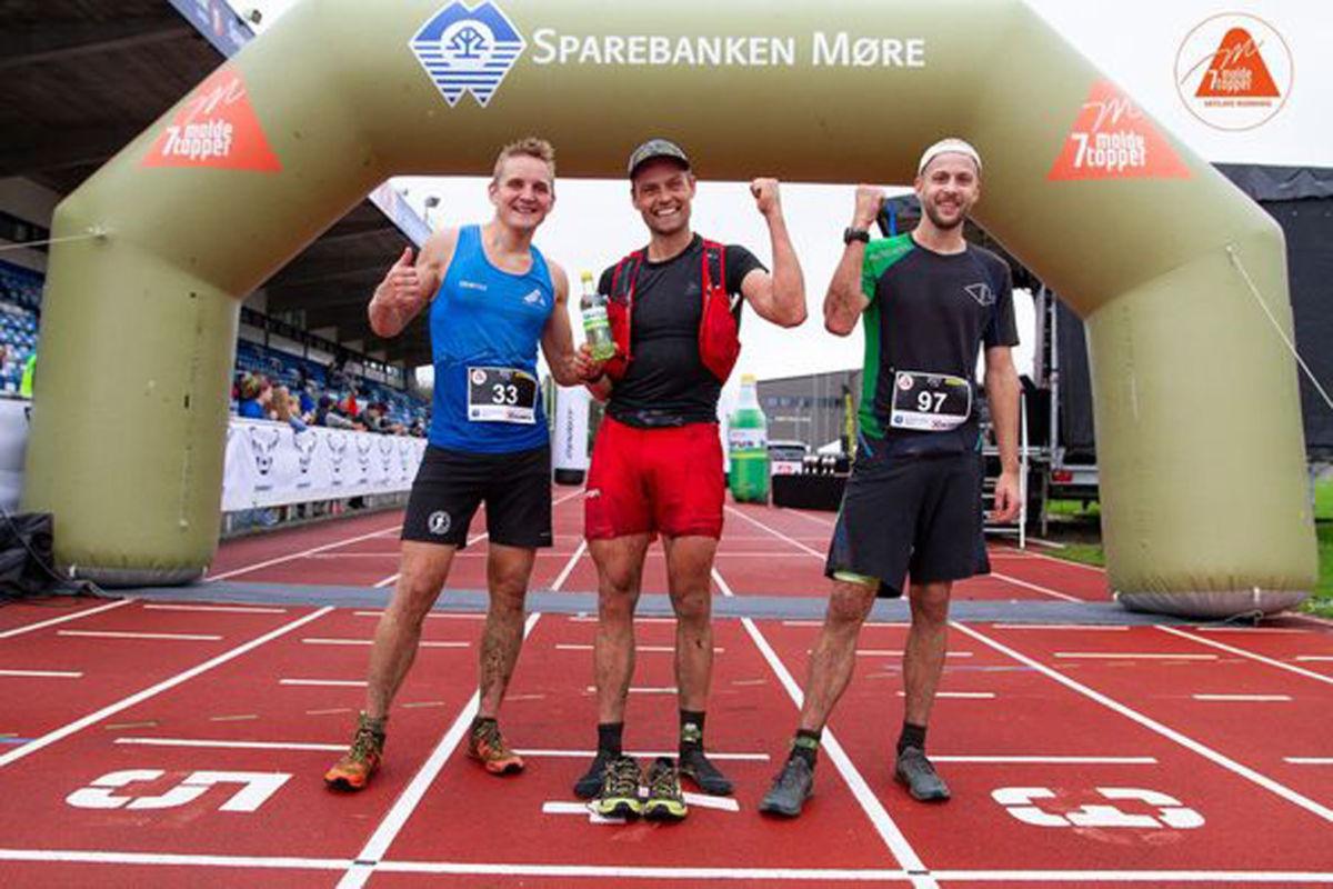 Dei tre beste i herreklassen - Anders Kjærevik, Tobias Dahl Fenre og Kristoffer Nordvik.   Foto arrangøren